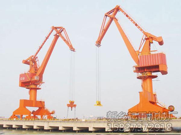 港口门座式起重机工作特点